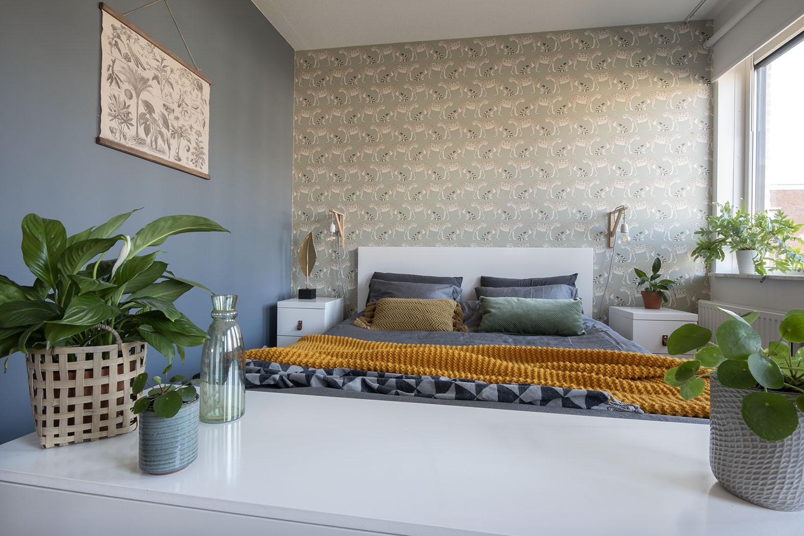 Slaapkamer-interieur-ontwerp-blauw-luipaard-styling-groen-7