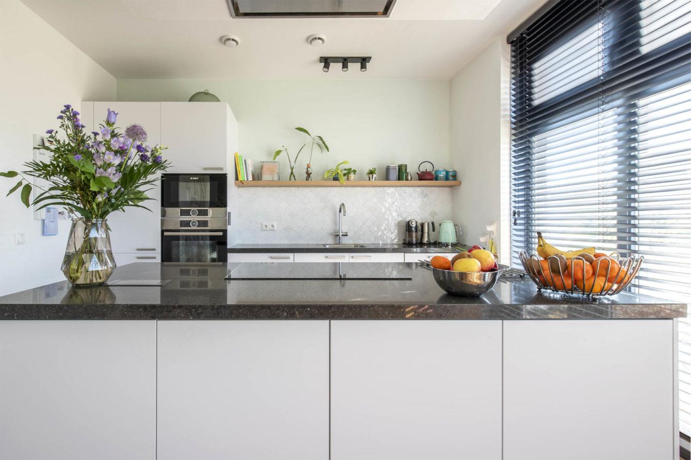 Keuken Breda interieurontwerp interieuradvies keukeneiland styling nieuwbouw