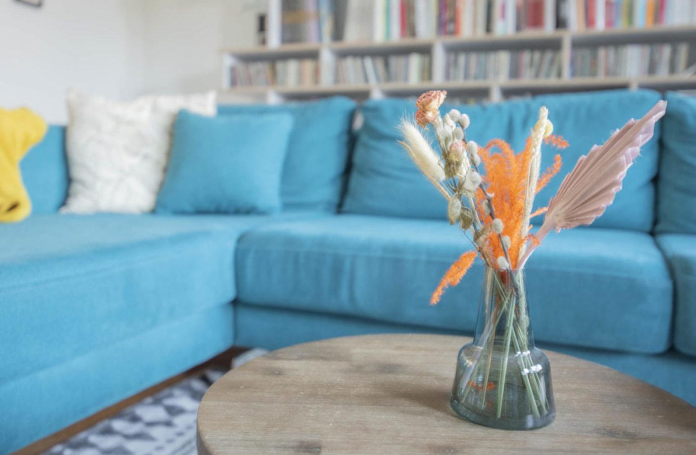 Woonkamer Teteringen interieurontwerp interieuradvies breda styling nieuwbouw droogbloemen